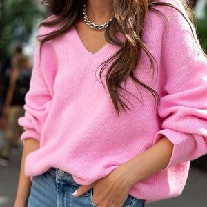 Something Navy Pink V Neck Sweater! Size M
